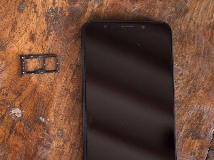 разьем под 2 SIM Xiaomi Redmi 5, Xiaomi Redmi 5 Plus