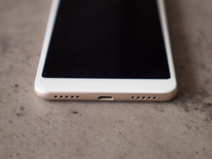 выход под динамики Xiaomi Redmi 5, Xiaomi Redmi 5 Plus