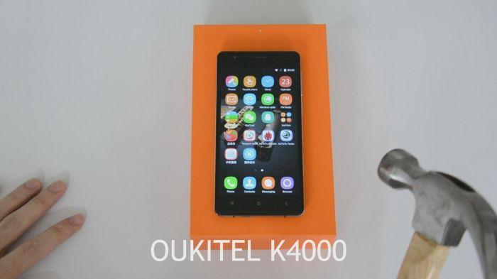 OUKITEL_K4000_молотком по экрану