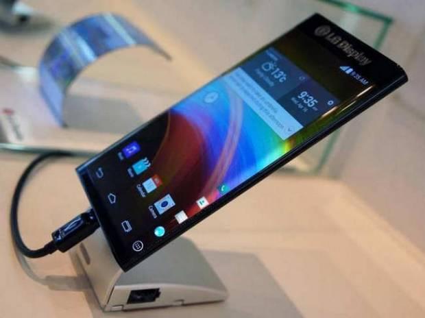 СмартфонLG V30 получит изогнутый OLED-дисплей от Самсунг