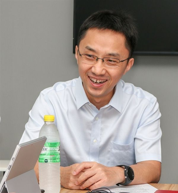 Всеть утекли рендеры флагмана Huawei Mate 10