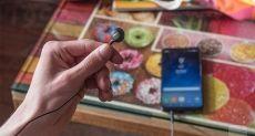 Samsung Galaxy S9 получит антибликовую камеру и беспроводную гарнитуру AKG
