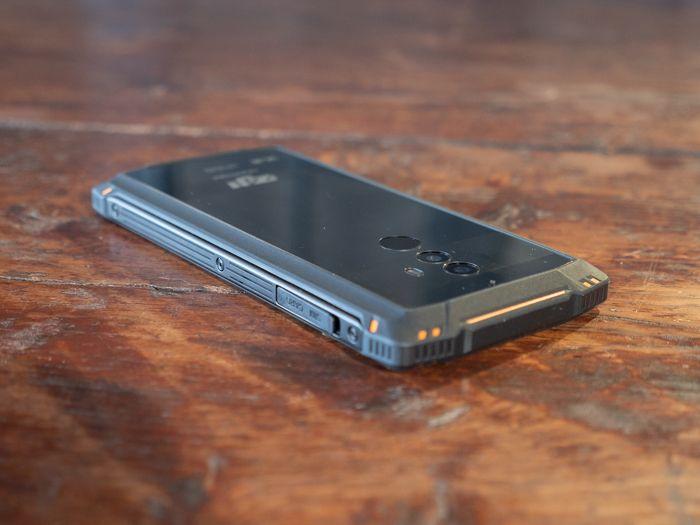 Обзор Homtom Zoji Z9. Как изменились защищенные смартфоны от китайцев – фото 3