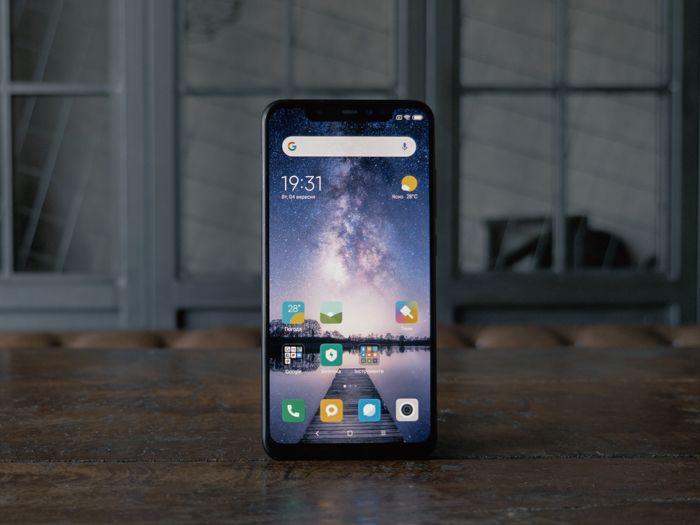 Обзор Xiaomi Pocophone F1 - лучший смартфон за свои деньги – фото 3