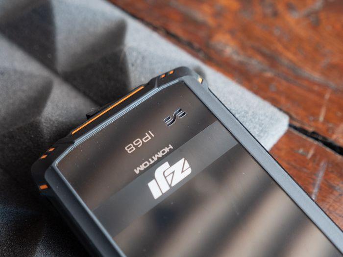 Обзор Homtom Zoji Z9. Как изменились защищенные смартфоны от китайцев – фото 4