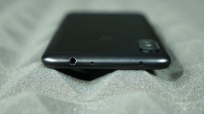 Обзор Xiaomi Redmi Note 6 Pro - те же бараны, только с челкой – фото 5