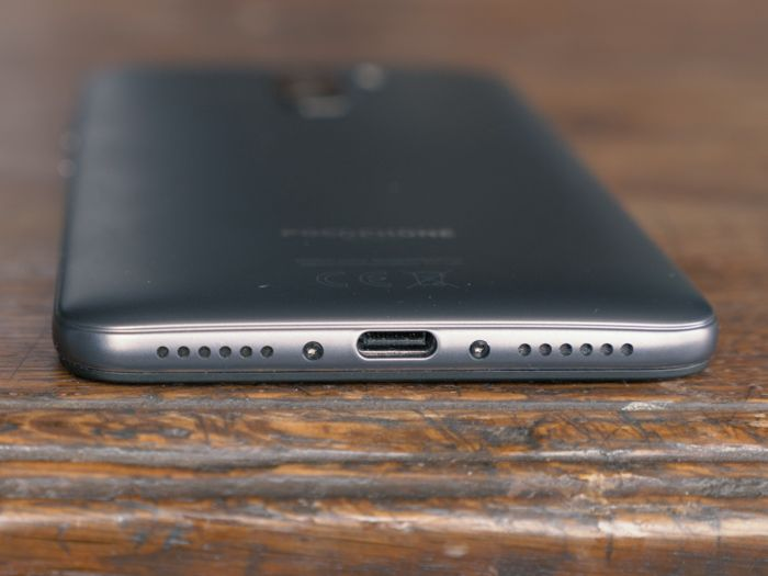 Обзор Xiaomi Pocophone F1 - лучший смартфон за свои деньги – фото 6