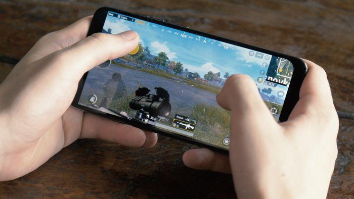 Обзор Xiaomi Pocophone F1 - лучший смартфон за свои деньги – фото 12