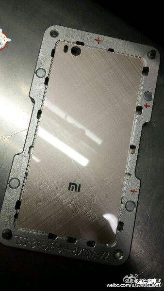 Xiaomi Mi5: шпионские фотографии текстурированной стеклянной тыльной панели – фото 1