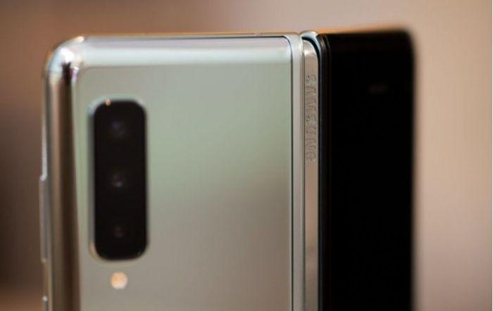 iFixit изучил внутренности Samsung Galaxy Fold и назвал причины его выхода из строя – фото 2