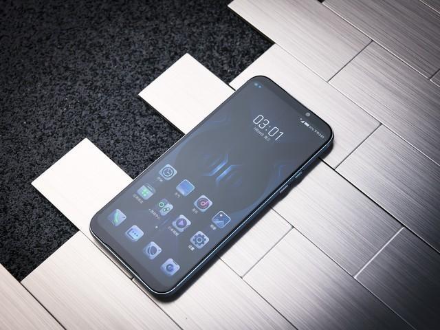 Xiaomi выпустила Black Shark 2 Pro для геймеров – фото 4