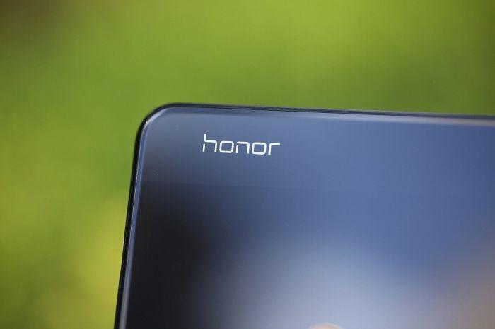 Очередные рендеры Honor V30 – фото 1
