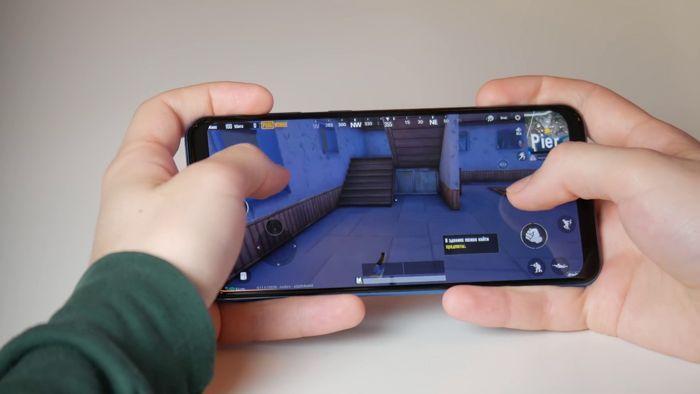 Samsung Galaxy A50 или Xiaomi Mi 9 SE: какой смартфон купить? – фото 12