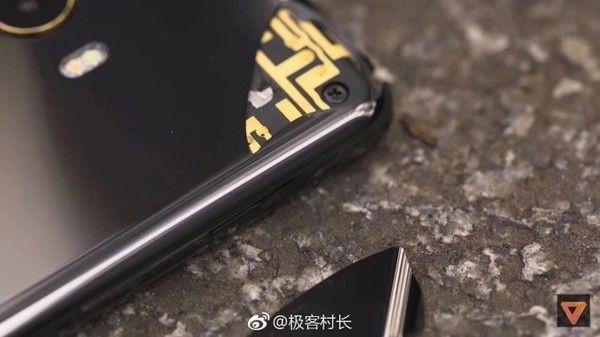 Xiaomi Mi Mix 2 уже успел выскользнуть из чьих-то рук – фото 1