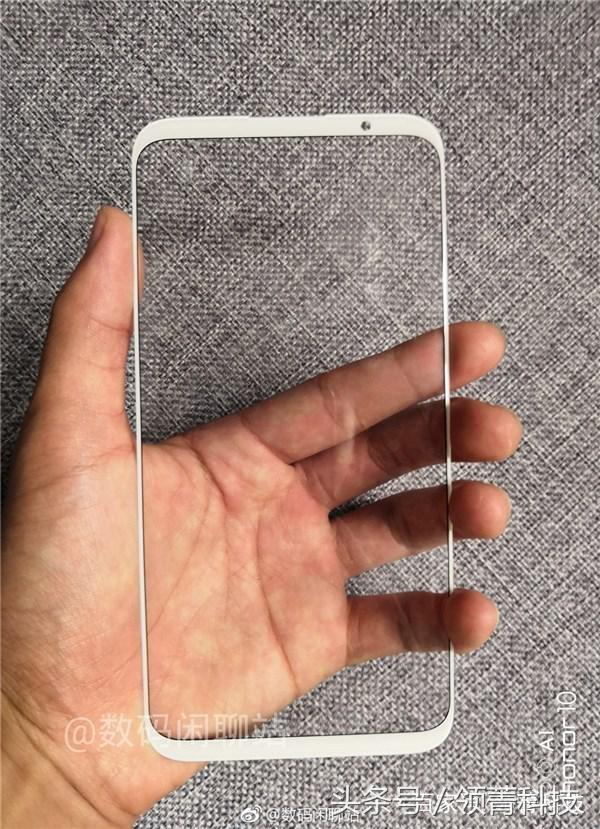 Фото передней панели Meizu 16 Plus: смартфон на максималках – фото 3
