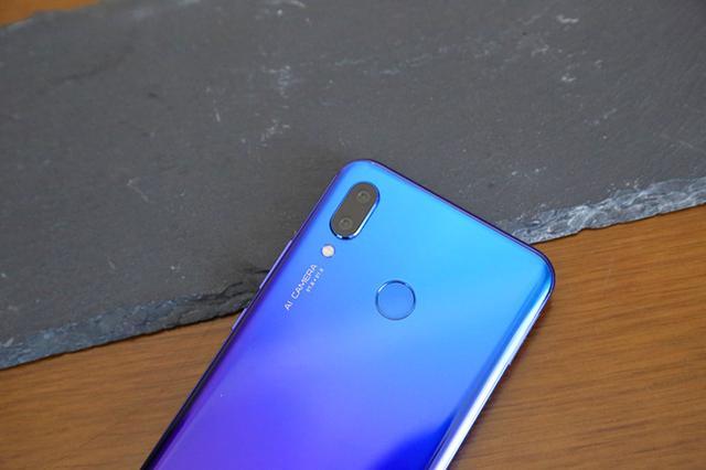 Дебют Huawei Nova 3: флагманский чип и 4 камеры – фото 10