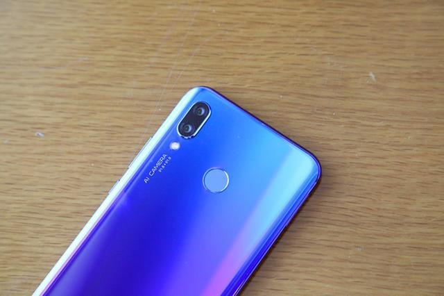 Дебют Huawei Nova 3: флагманский чип и 4 камеры – фото 9