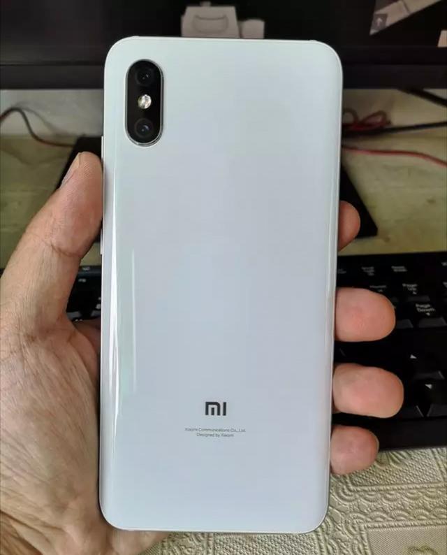 Xiaomi Mi 8X на фото. Новый фаворит среднего класса? – фото 2