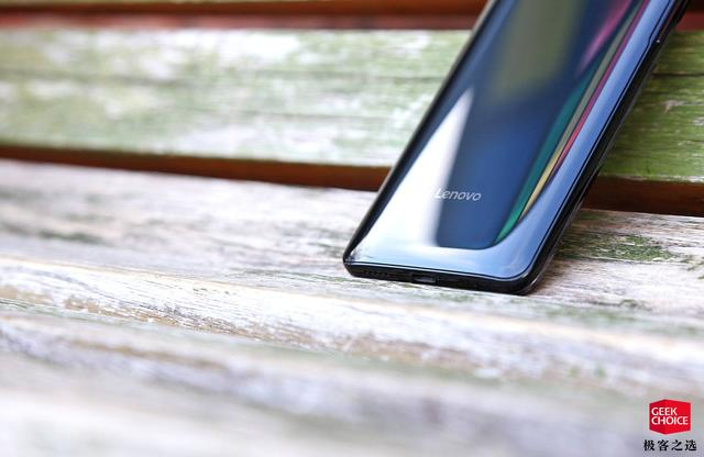 Представлен Lenovo Z5 Pro: слайдер с двумя двойными камерами и Snapdragon 710 – фото 8