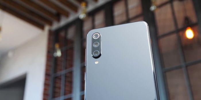 Samsung Galaxy A50 или Xiaomi Mi 9 SE: какой смартфон купить? – фото 15