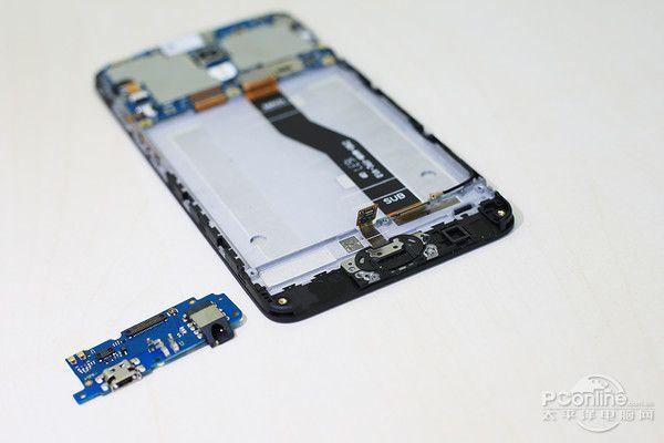 Meizu M5 подвергся вскрытию – фото 16