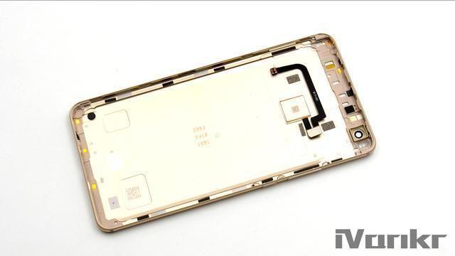 Xiaomi Mi Max 2 разобрали на части – фото 17