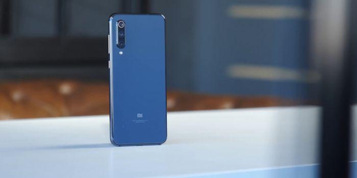 Samsung Galaxy A50 или Xiaomi Mi 9 SE: какой смартфон купить? – фото 1