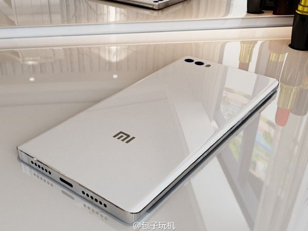 Xiaomi Mi Note 2: смартфон крупным планом на качественных рендерах – фото 2