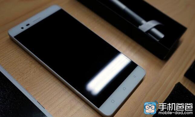 Lenovo K5 Note: реальные фотографии дебютного для Helio P10 (МТ6755) смартфона – фото 2
