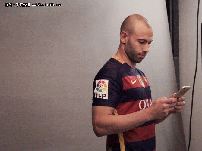 Oppo R9: в съемках рекламного ролика участвуют футболисты ФК «Барселона» - Неймар и Маскерано – фото 1