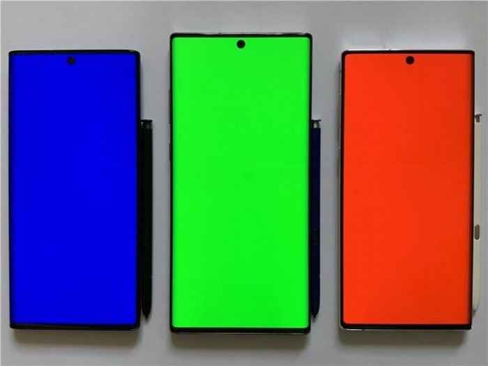 IHSMarkit: в 2023 году смартфоны с OLED-дисплеями будут доминировать над аппаратами с LCD – фото 1