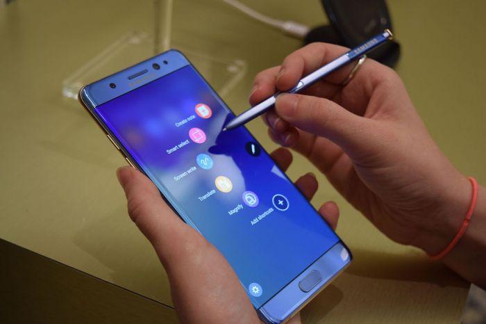 Samsung приостановил производство Galaxy Note 7 – фото 1