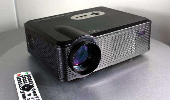 Проектор CL 720/CL 720D LED: видео (распаковка) домашнего кинотеатра на базе недорогого проектора – фото 1