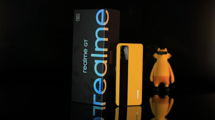 Realme GT с коробкой