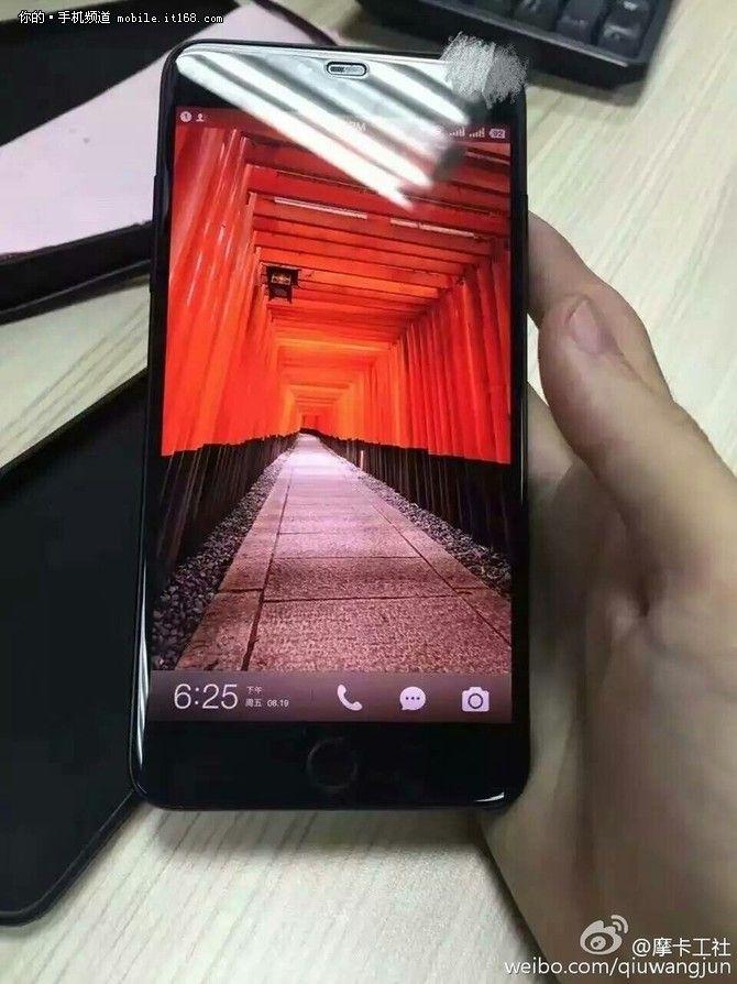Smartisan T3 показали на реальных фото: симбиоз iPhone 4S и iPhone 6 – фото 2