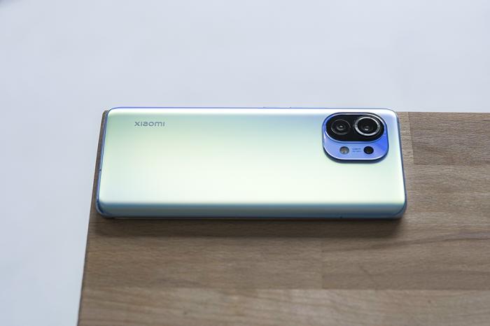 Скидки дня: Xiaomi Mi 11, Redmi display 1A и наушники BlitzWolf – фото 1