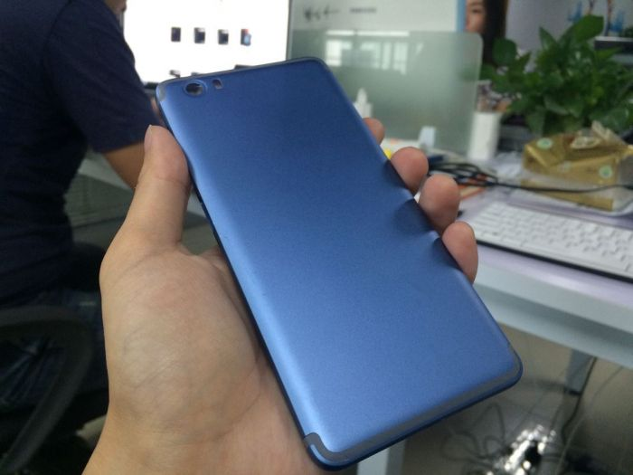 Vernee Mars: дугообразная антенна и синий цвет корпуса, как у iPhone 7 – фото 2