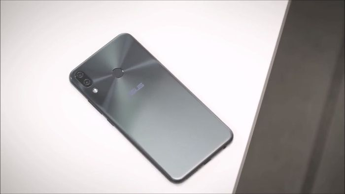 ASUS ZenFone Max Pro (M2) распаковали за две недели до релиза – фото 4