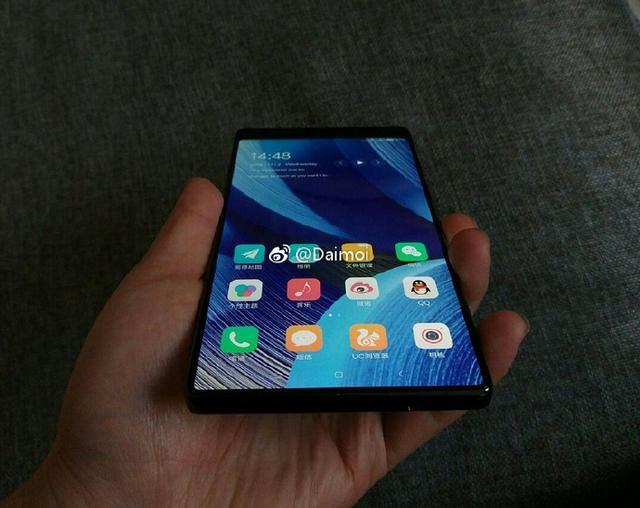 Оцените Xiaomi Mi MIX 2 на «живых» снимках – фото 2