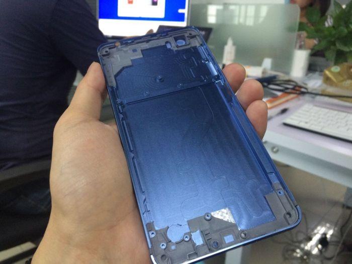 Vernee Mars: дугообразная антенна и синий цвет корпуса, как у iPhone 7 – фото 1