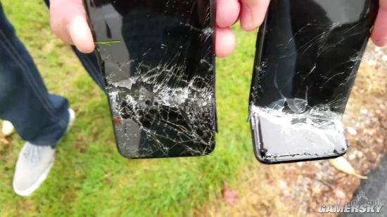 Samsung Galaxy S8 и iPhone X порубили в капусту – фото 4