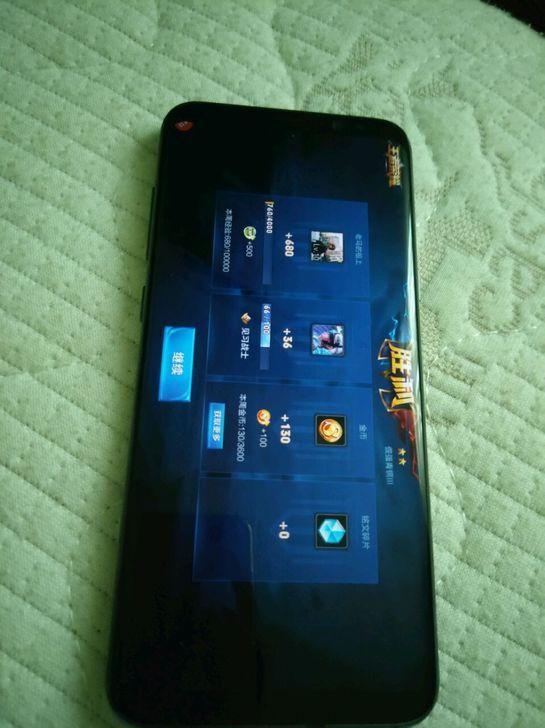 Фото прототипа Samsung Galaxy S8 с дисплейным биометрическим датчиком – фото 2