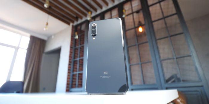 Samsung Galaxy A50 или Xiaomi Mi 9 SE: какой смартфон купить? – фото 3