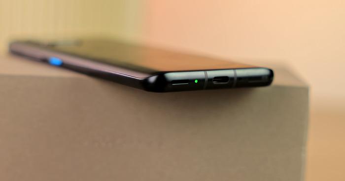 Asus Zenfone 8 индикатор