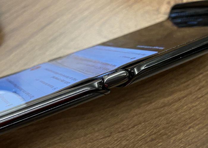 Гибкий Motorola Razr 2019 продолжает неприятно удивлять – фото 2