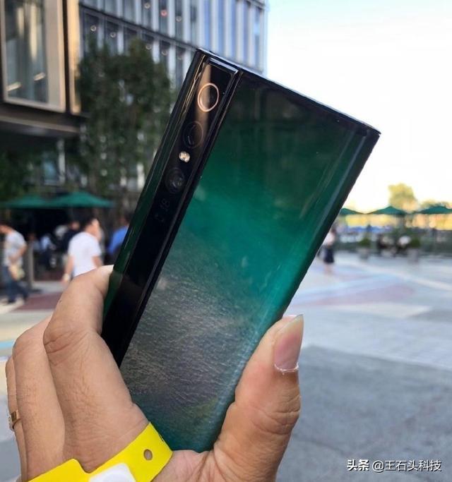 Xiaomi Mi MIX Alpha на «живых» снимках и видео – фото 2
