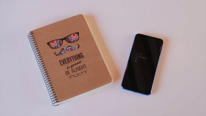 Samsung Galaxy A50 или Xiaomi Mi 9 SE: какой смартфон купить? – фото 5