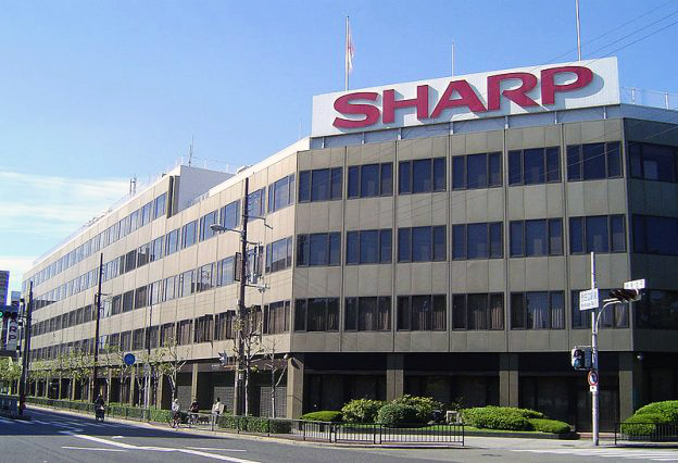 Sharp осваивает производство OLED-дисплеев – фото 1