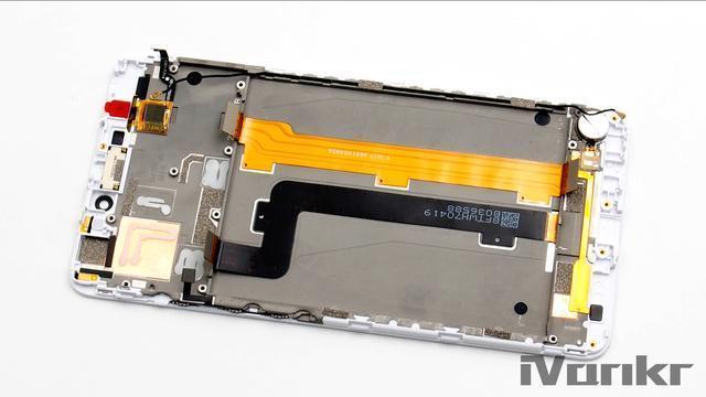 Xiaomi Mi Max 2 разобрали на части – фото 13