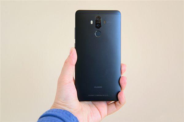 Huawei Mate 9 теперь и в черном цвете – фото 2